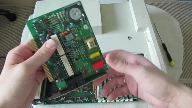 Очень старый ноутбук Compaq SLT_286 (88-й год) на док-станции с Windows 3.1