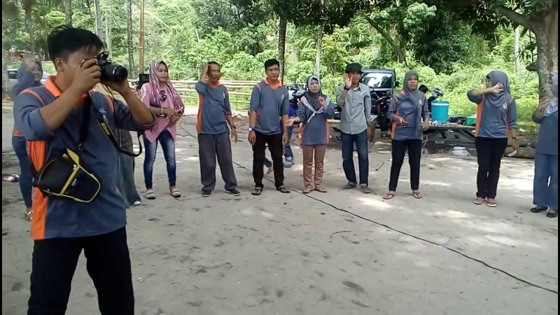 Красивая песня в Индонезии — Вороваевец Giovana Corrêa Индонезия