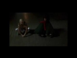 Микаса и Энни. танец . Атака титанов косплей .
