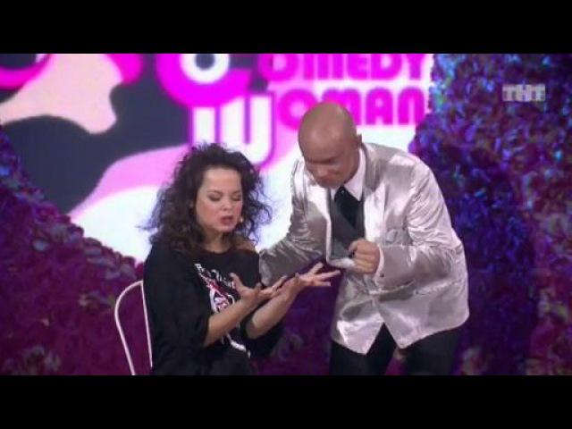 Камеди Вумен - Королева Рока из сериала Comedy Woman смотреть бесплатно видео онлайн.
