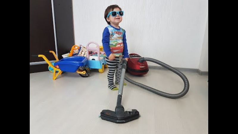 1 Year old BOY and Vacuum Cleaner Very FUNNY