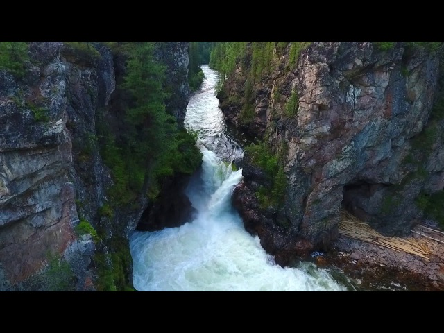 Водопад в Сибири