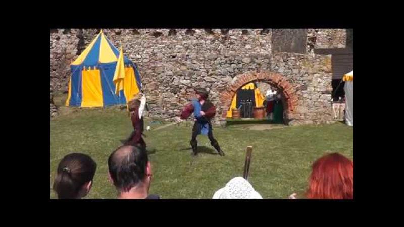 Naše první veřejné vystoupení na hradě Točník (sestříhaná verze )