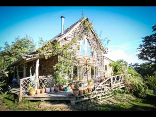Истории дизайна.  The Woodsmans Cottage.