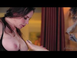 Dana dearmond and jelena jensen - a friend for dinner [lesbian, pussy licking]