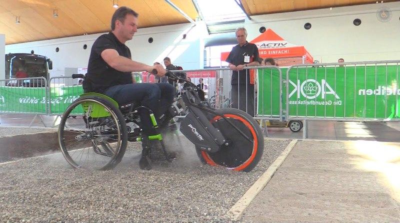 Демонстрация возможностей электроприставки Proactiv Wheel-E BionX D-Series