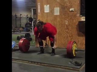 Дэн Грин тянет 305 кг на 8 раз
