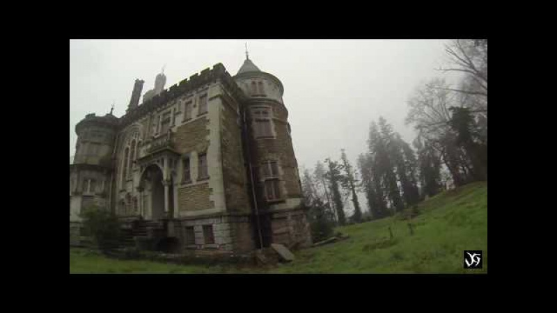 Шокирующий красоты зеленый дворец заброшен