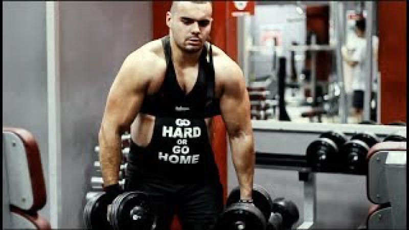 Exercise biceps triceps.