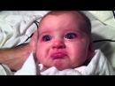 Забавный малыш плачет
