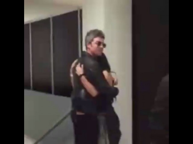 Noel Gallagher with a fan @ Foro Sol, Mexico, 17.03.2018