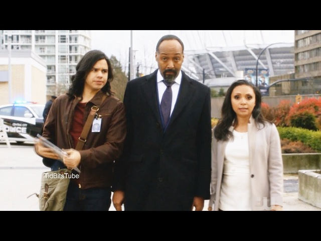The Flash 4x12 Joe Cecile Cisco Everyones thoughts Season 4 Episode 12 scenes