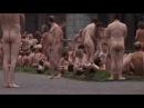 800 persone completamente nude per Spencer Tunick a Dusseldorf