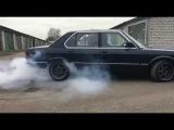 BMW E28 BURN OUT