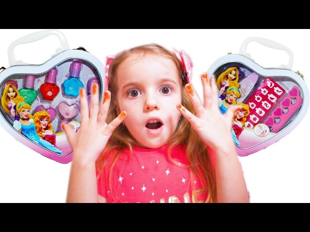 Funny Baby Pretend Play with color Nail polish and Finger Family song