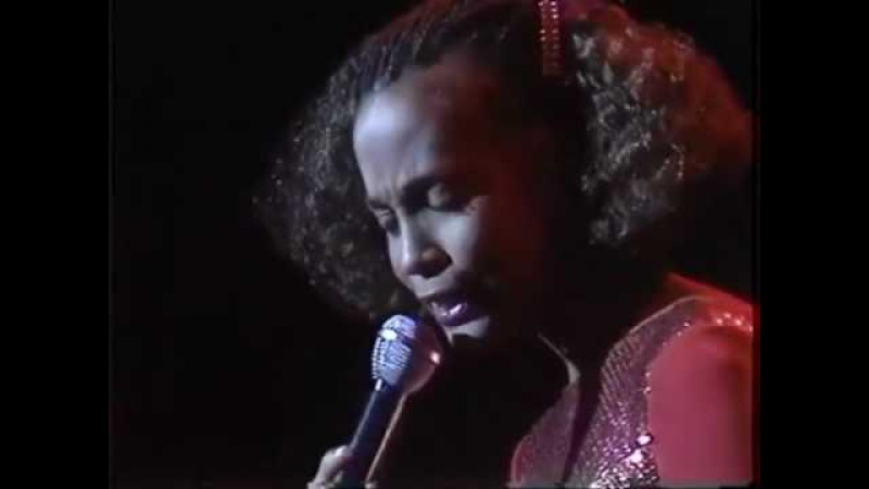 Whitney Houston - Greatest Love Of All/Love Will Find A Way (Opening Act for Luther Vandross) [Live]