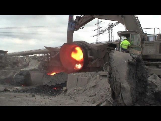 Fractum controlled deskullling of slag pot