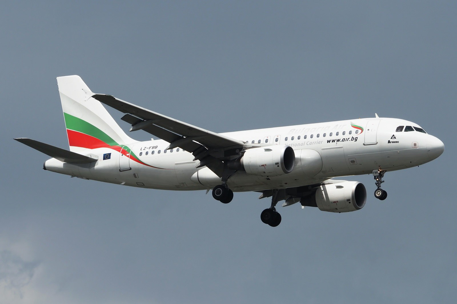 Аэробус Bulgaria Air в небе