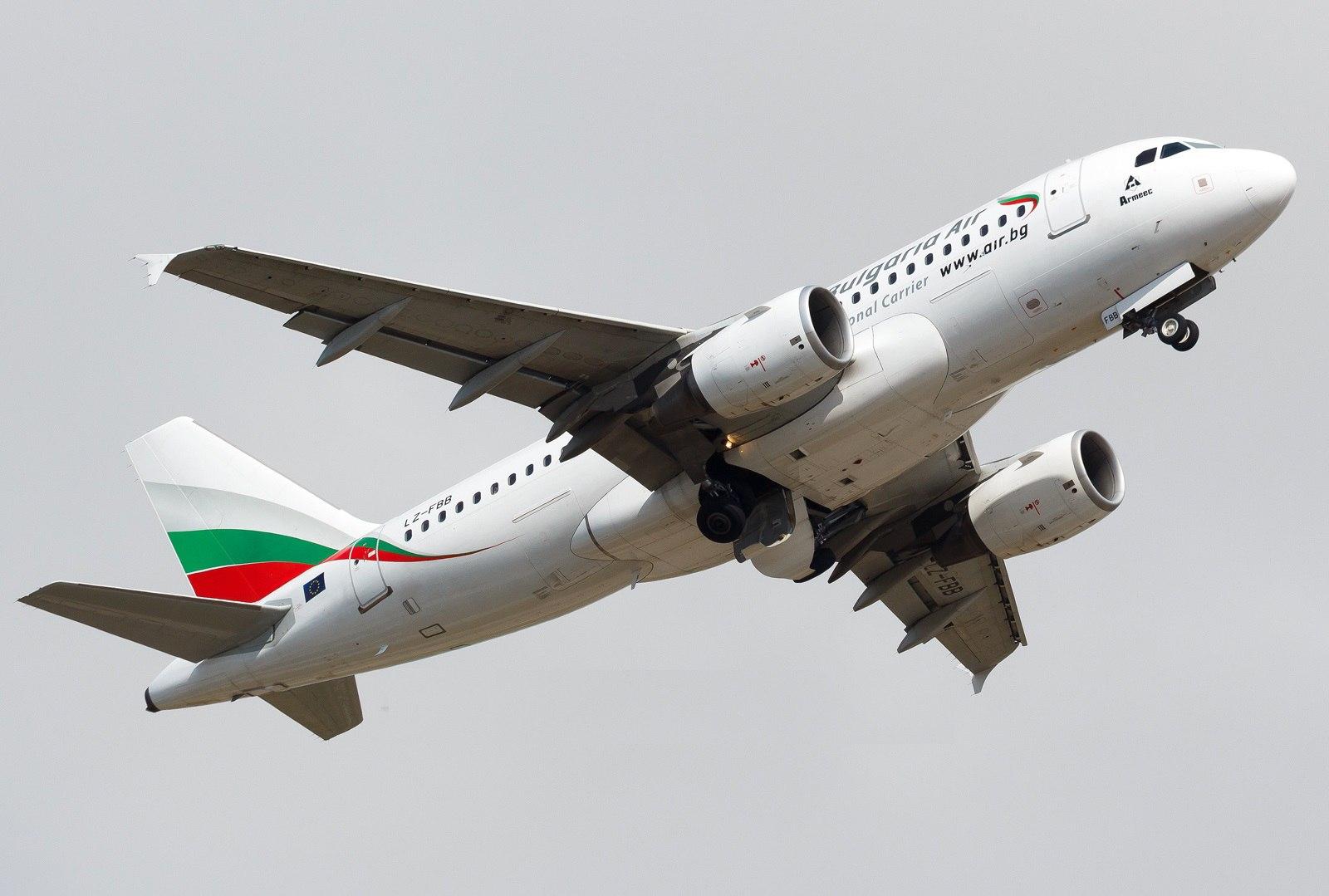 Airbus A319 в полете
