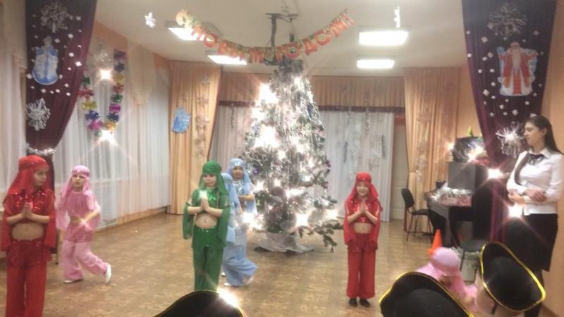Танец восточных красавиц.