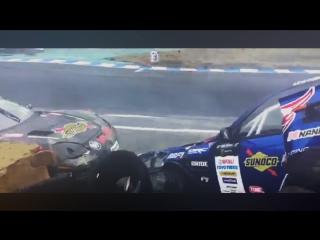Drift Vine   s15 Masashi Yokoi vs Corvette Daigo Saito Crash at Ebisu Minami