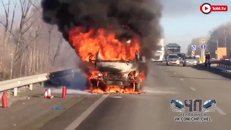 ГАЗель выгорела дотла на трассе под Челябинском