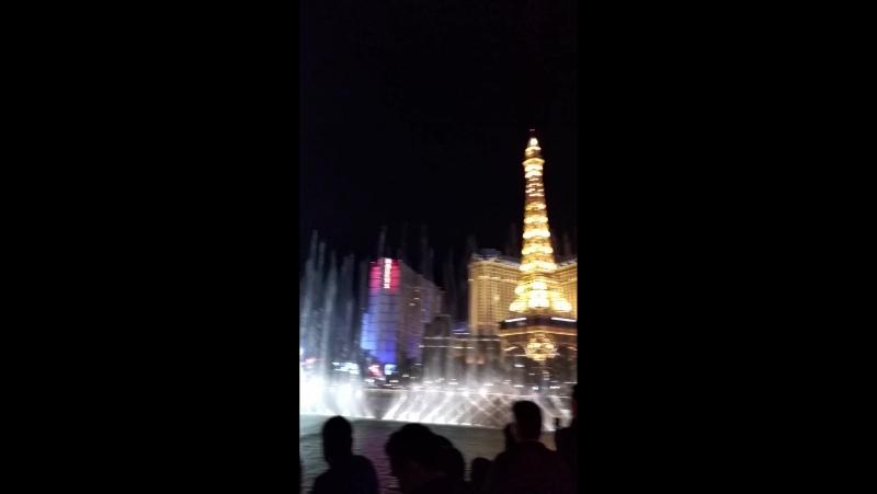 Поющие фонтаны Лас Вегаса