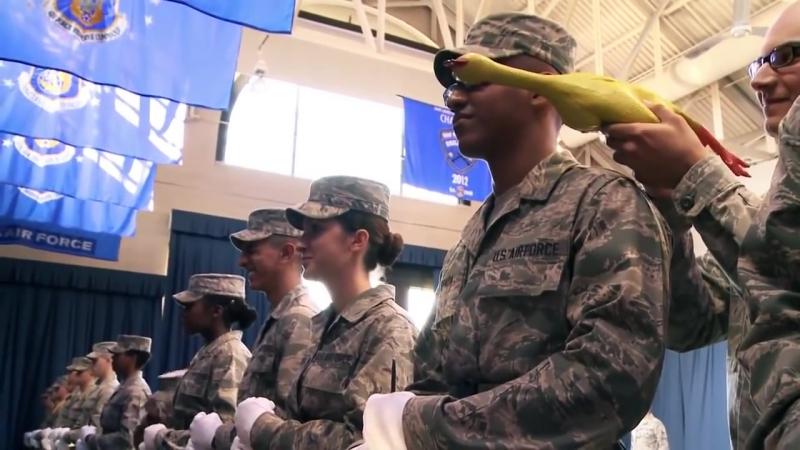 Жорстокий тест в армії США. Бійцям показують ''новороса''.