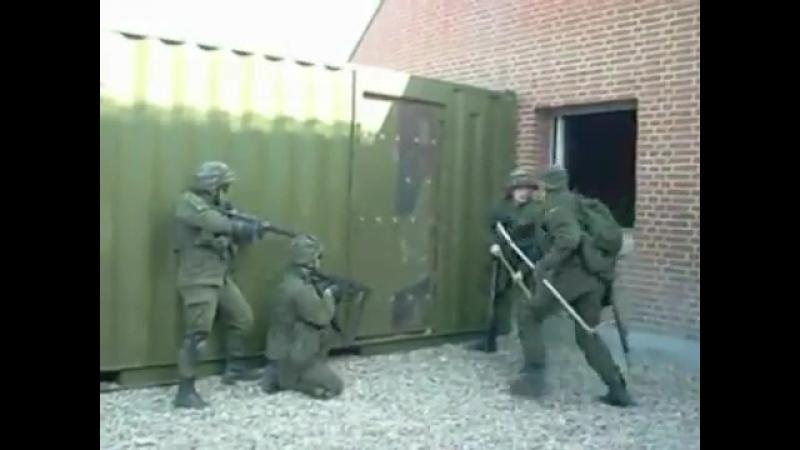 Эстонский спецназ в действии