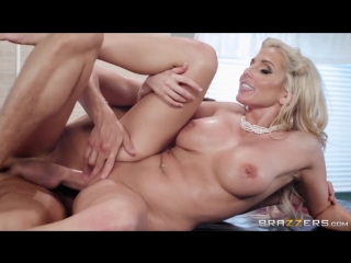 Christie Stevens - A Creampie (kitchen boobs busty blowjob play sex cum big tits porn кухня сперма секс порно)
