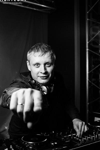 Александр Шутов