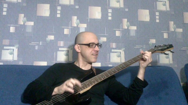 Dmitryx - Bass-guitar playing as brutal New Year 2016 (Jingle Bells)