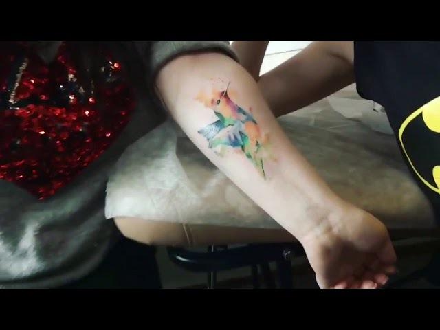 Тату Колибри в стиле акварель Hummingbird tattoo