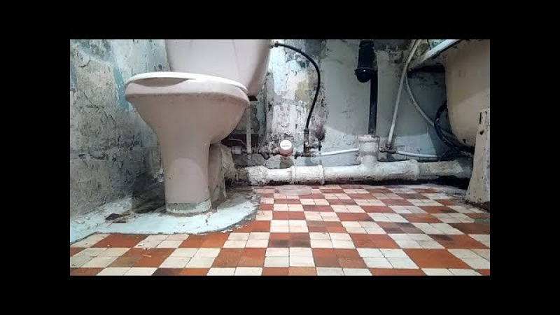 Монтаж труб в ванной и на кухне Ужасы демонтажа чугунных канализационных труб в квартире у бабушки