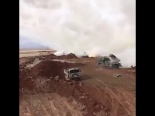 Турецкие РСЗО T-122 обстреливают позиции курдов