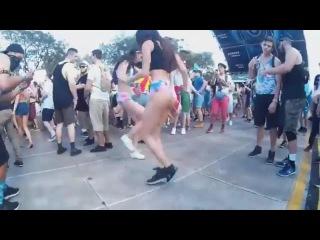 Dance dance 'til you're dead · Coub   Коуб   Девушка   Девочка   Girl   Секси   Sexy   Эротика   Видео   Девки   Woman   Танцуют   Попки   Попочки   Дрыгаются   Трясут   Прыгают   Танцульки   shuffle   Молоденькие   Шаффл   Денс   Молоденькие   Фе