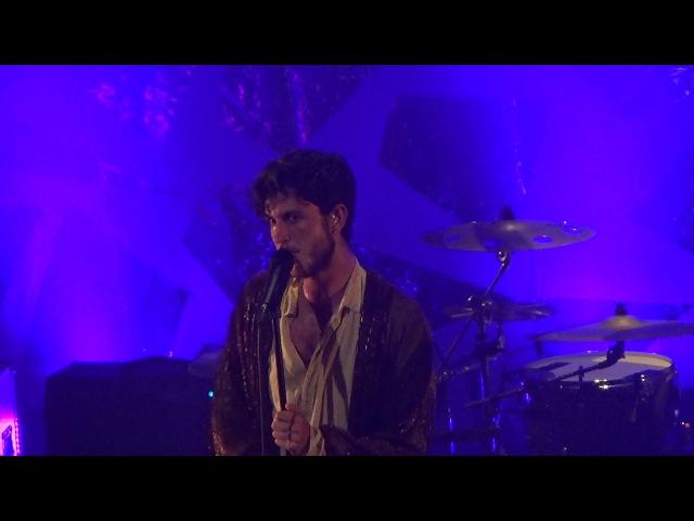 Oscar and the wolf strange entity - live paris 2015 France