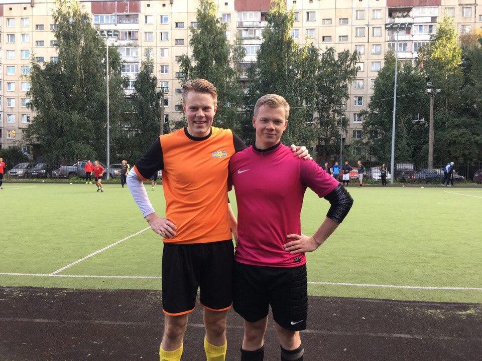 Александр Белоножко и Владимир Пресняков сыграли друг против друга в составах