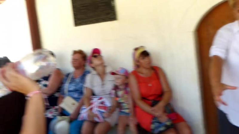 Крым 2015.Бахчисарай , пещерный город Чуфут-Кале, фрагменты экскурсии 2 августа 2015 года.
