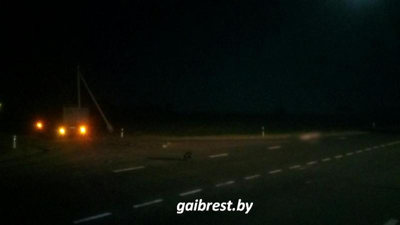 В Брестском районе МАЗ столкнулся с мотоциклом