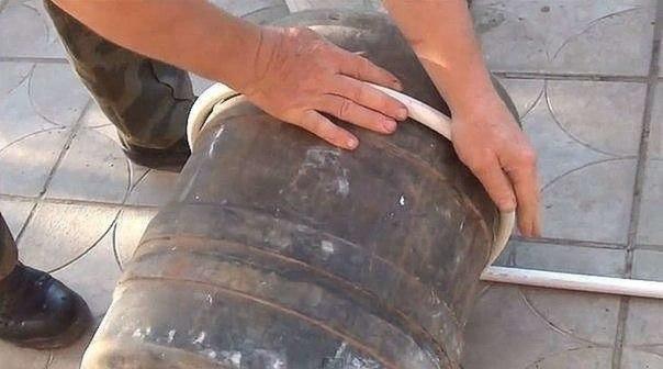 Простая конструкция из м/п труб для подвязки пионов