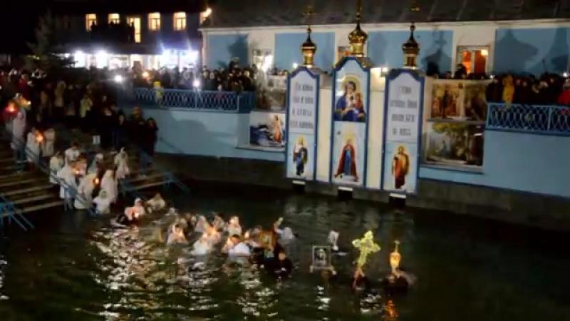 Водохреще 2018 р. на джерелі святої Анни в с.Онишківці. Хресний хід через святі води
