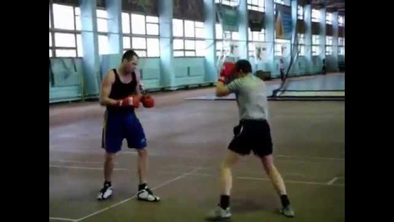 Golovin VS Voronkin Бой за Елену Спесивую с дагестанским десантником по кличке 'Дивидишн