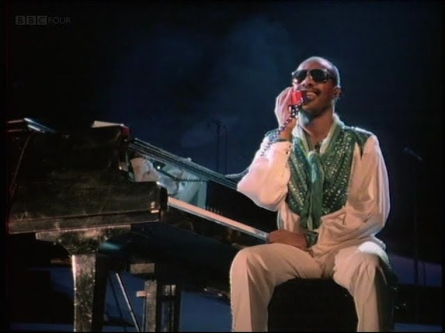 Stevie Wonder - I Just Called To Say I Love You 1984 (High Quality)