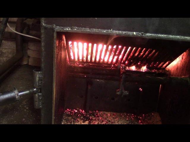 Твердотпливный котел шахтного типа с теплоаккумулятором