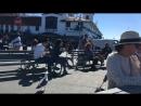 Перекус под музычку на набережной😁🍵. Крабовый суп, уличный музыкант и Сан-Франциско😁🍵🎸