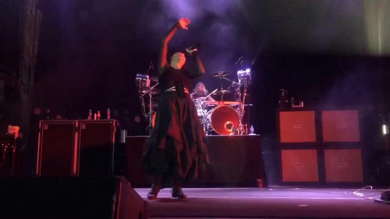 Evanescence live @ Trakai island castle in Lituania(21.06.17)- Whisper