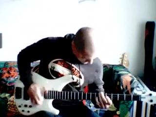 Соло на бас-гитаре