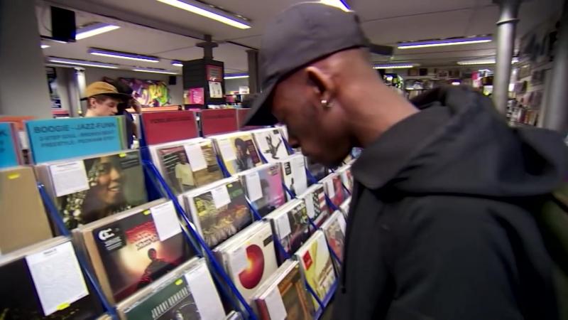 Почему британцы покупают пластинки, но их не слушают