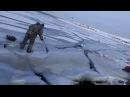 Как волна ломает лёд под рыбаками . How the wave breaks the ice under the fishermen .